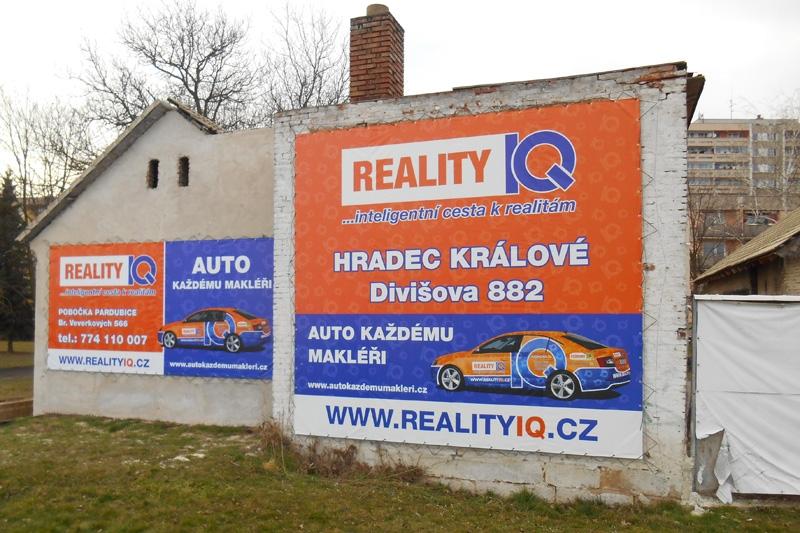 Reklamní plachy a reklamní bannery - IQ Reality.