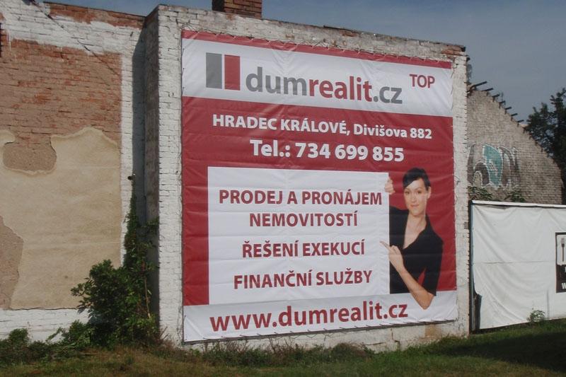Reklamní plachy a reklamní bannery - Dům realit.